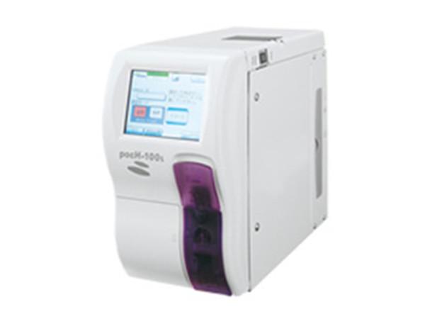 画像:生化学検査装置